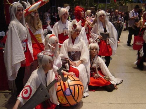There was this Okami meet-up outside the concert area as I was leaving. :o