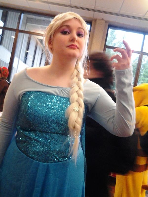 Queen Elsa~.