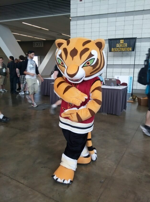 Look at this AMAZING Tigress suit from AC. o_O