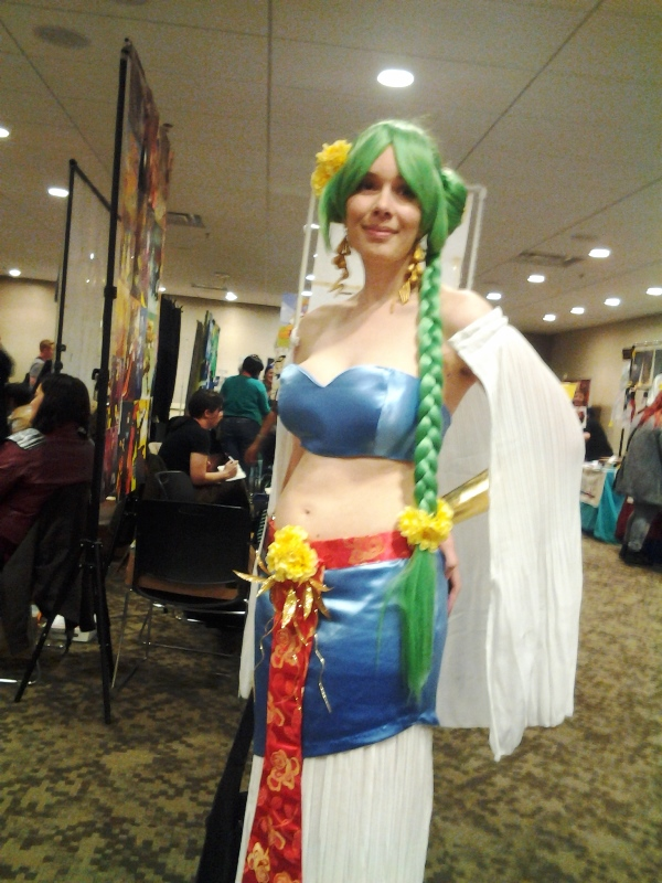 I have no idea who this person is cosplaying, but they were pretty!